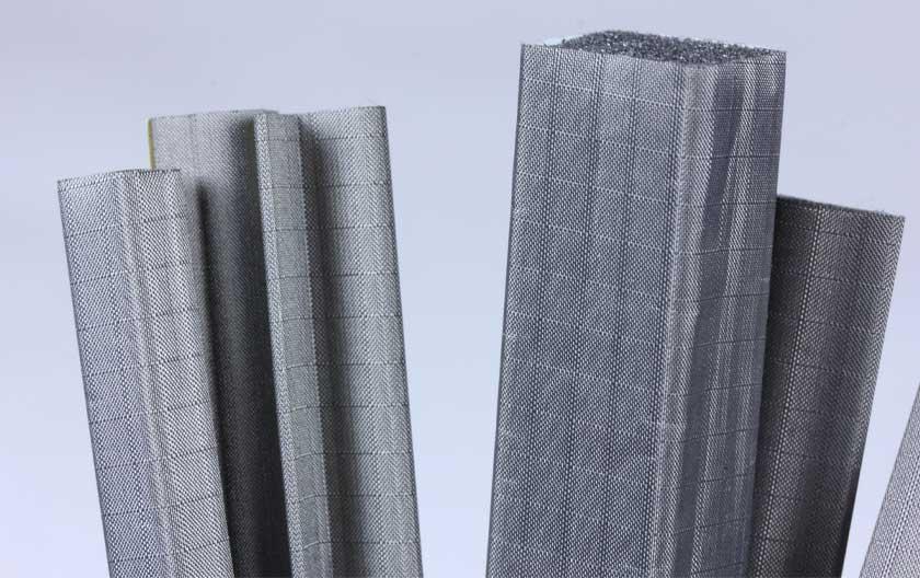 Joints en mousse avec tissu métallisé