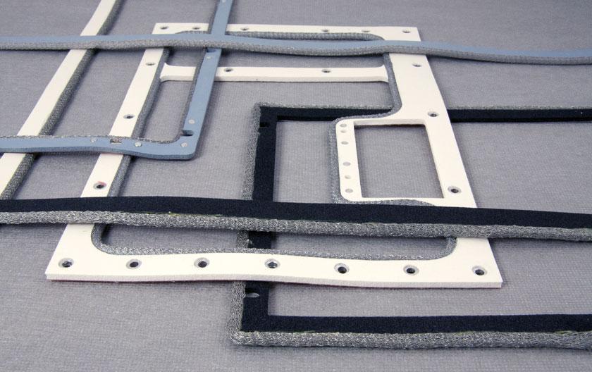 Joints d'environnement plats avec tricot métallique