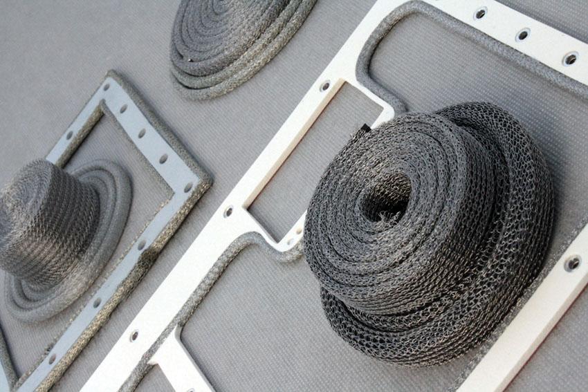 Tricots métalliques plein et avec joint d'environnement
